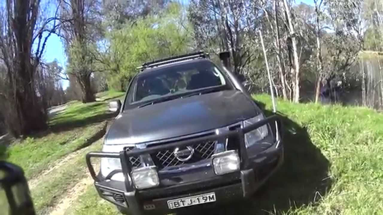 small resolution of the fitting a uhf radio in my 4wd why i put the antenna on the 4x4 nissan pathfinder bull bar edge youtube