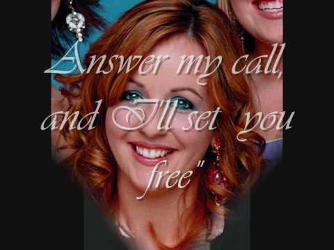 The Voice - Lisa Kelly (Celtic Woman) with Lyrics