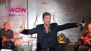 David Bisbal canta 'En Tus Planes' | Showcase Miami
