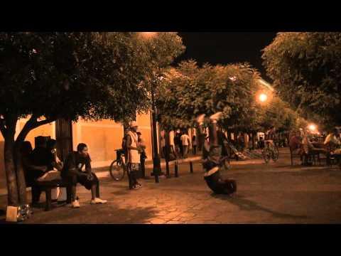 Break dancers from Nicaragua - Granada street break dance