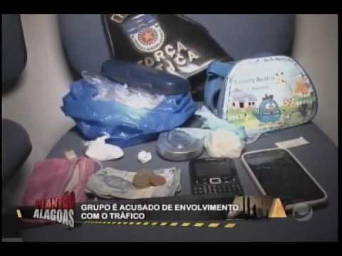 4 PESSOAS SÃO PRESAS ACUSADAS DE TRÁFICO
