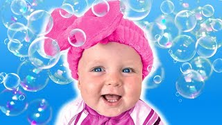 Bath song - Nursery Rhymes and Kids Songs with Daddy and Four Kids