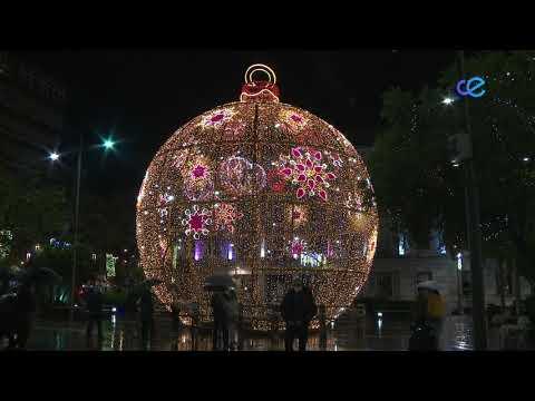 Esta tarde ha dado comienzo la Navidad con el alumbrado de las calles de la ciudad