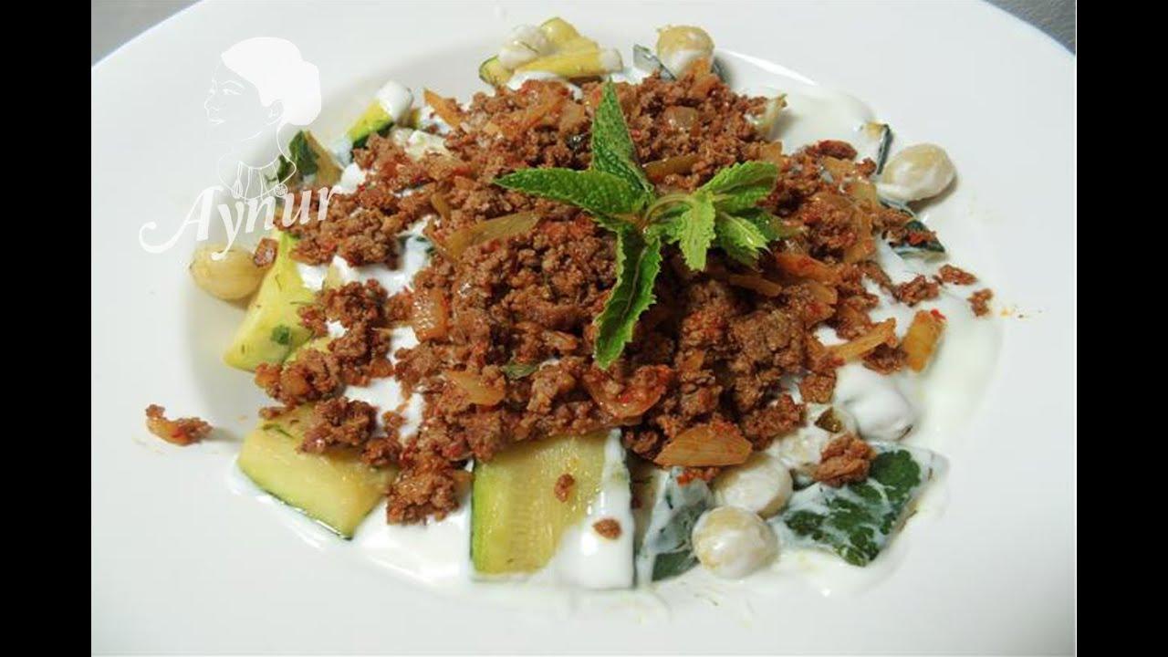 Sommergerichte Zucchini : Zucchini mit bulgurbällchen und hackbraten bulgurköfteli kabak