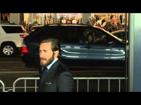 Everest: Jake Gyllenhaal Arrives to Red Carpet Movie Premiere