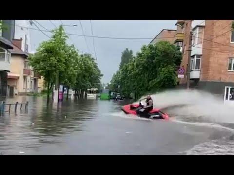 Житомир превратился в Венецию! Экстремальные ливни затопили