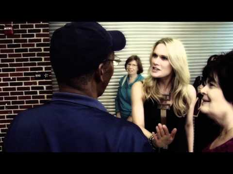 Stephanie March visits her alma mater at HPHS