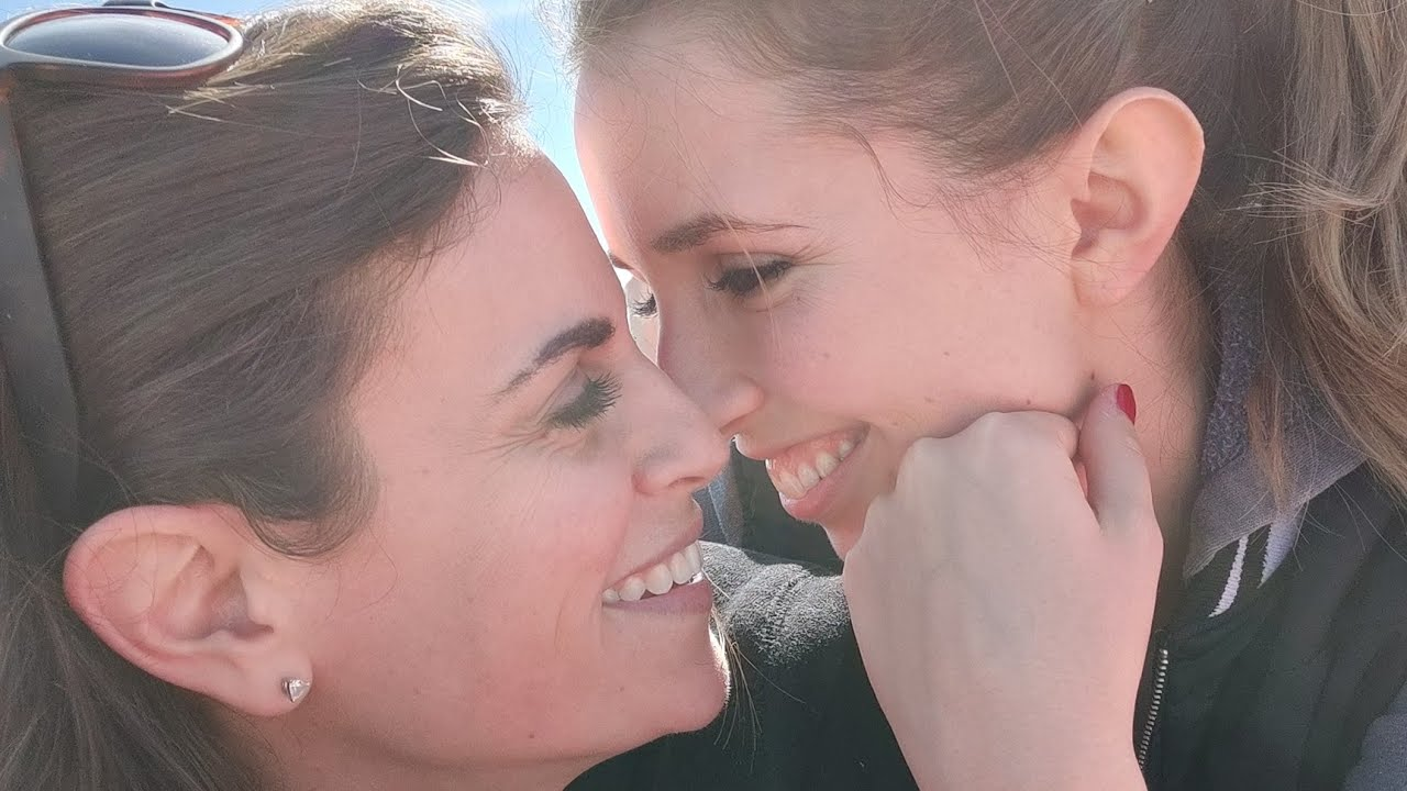 From wedded wife to lesbian life