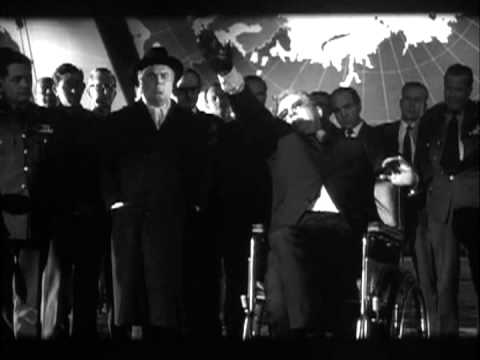 Dr. Strangelove 1964 Dr. Fantástico  Peter Sellers fighting against his nazi arm