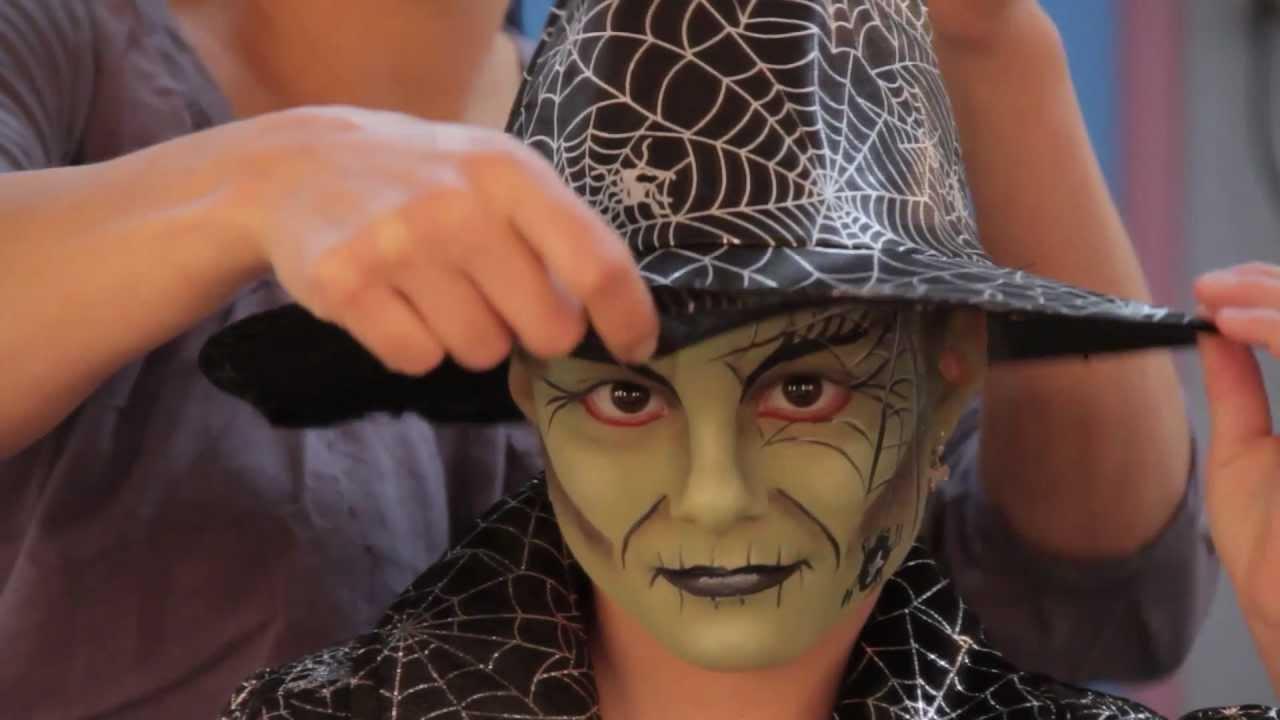 Afbeeldingsresultaat voor heks halloween look