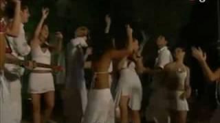 Cantan Un poco de tu amor en la fiesta de año nuevo en Cozumel