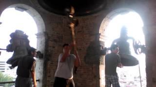Repique de campanas en el Templo del Sagrado Corazón de Jesús