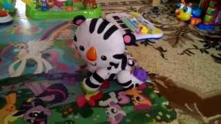 Интерактивная игрушка Тигренок Fisher Price обучающий ползать(Игрушка обучает ползать, в движение приводится при нажатии на потайную кнопочку на спинке у тигренка, в..., 2015-02-17T10:13:06.000Z)