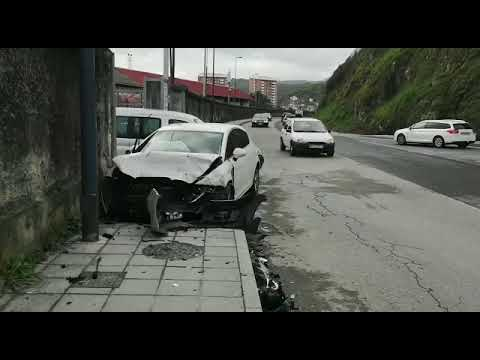 Accidente vial en la calle río Arnoia