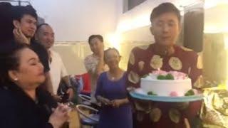 NSND Ngọc Giàu, Hoài Linh, Lê Giang bất ngờ chúc mừng sinh nhật Trấn Thành (5/2/2019)