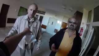 Zadržali novinára - stretnutie Gašparovič (Prezident SR) a Vaľová - incident - kamera č. 2