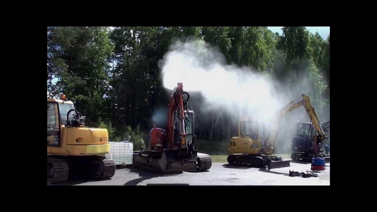 exhibiting dynaset hpw dust on excavator