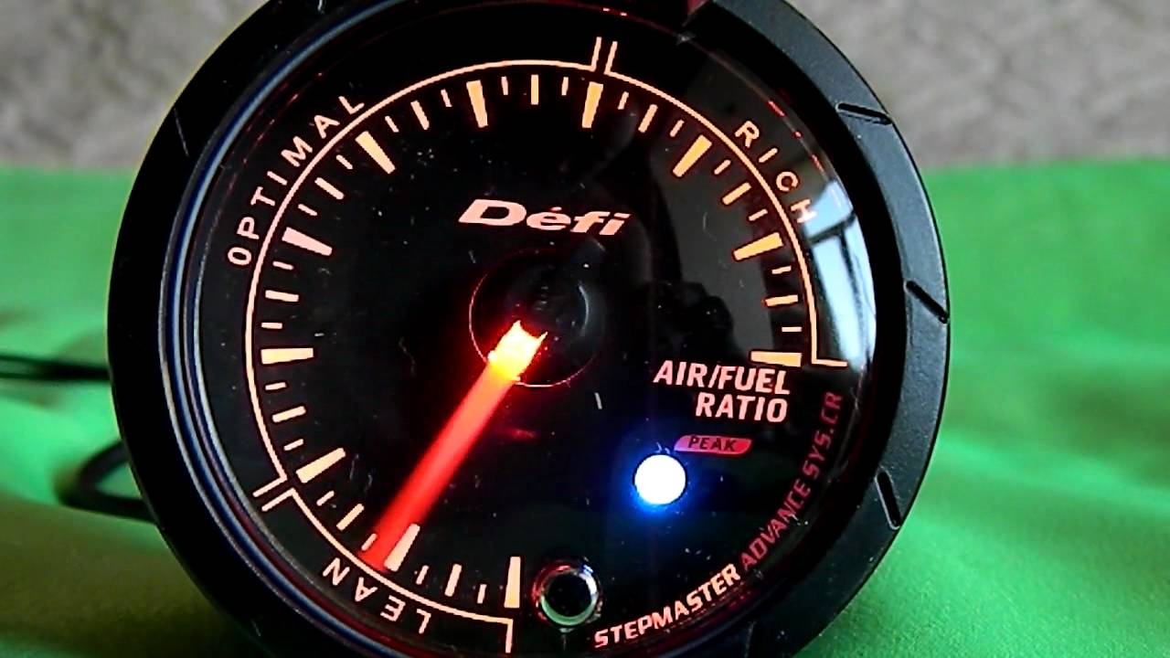 DEFI Advance Air/Fuel White-Red - YouTube