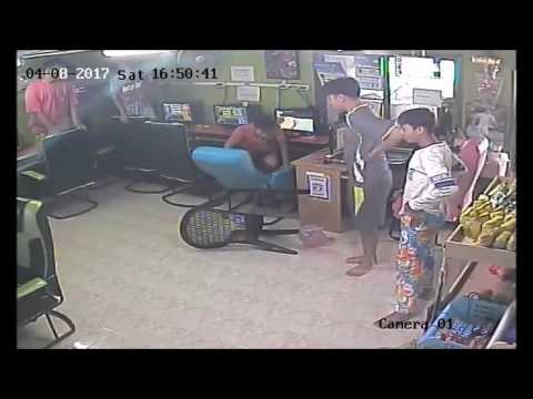 Feisty Snake Slithers into Internet Cafe   Rumble