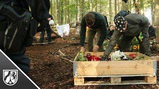 Hambacher Forst: Gedenkstelle für Journalisten geräumt, Kohlegegner sind hartnäckig