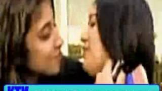 قبلة بنات عرب سحاق