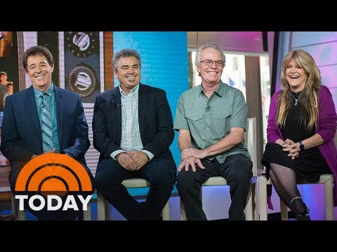 'Brady Bunch' Stars Have A Very Brady Reunion, Honor Florence Henderson | TODAY Mp3