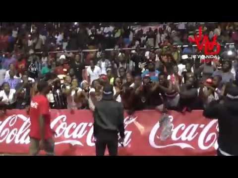 Exclu : Jovi au Palais des Sports de Yaoundé - Février 2015