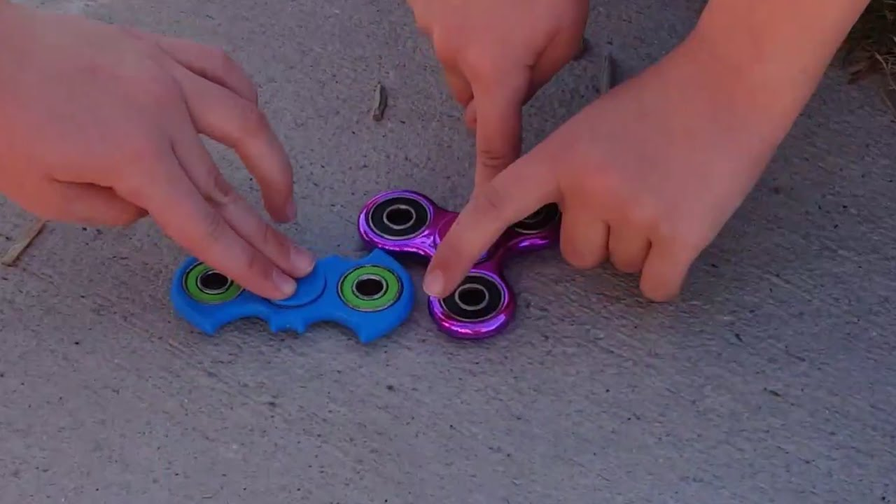 Kid Temper Tantrum Throws Sister S Fidget Spinner Out The Window