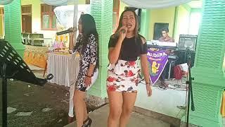 Lagu dangdut duet biduan cantik Jaran Goyang voc Fina & Yuli Bondeng - Nadira electone Balikpapan