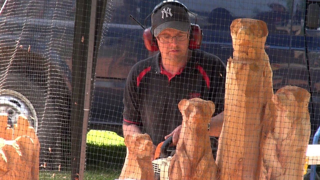 Chainsaw carving iain chalmers youtube