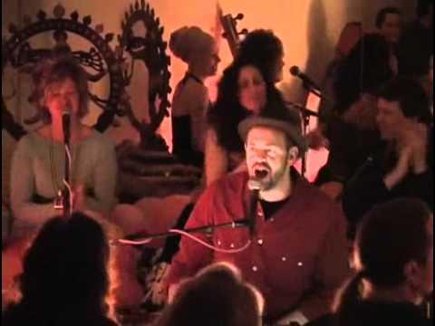Dave Stringer Kirtan - Om Namah Shivaya