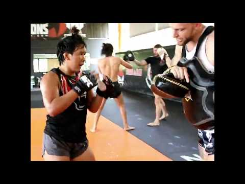 Loma Lookboonmee training for UFC Auckland