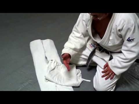 How To Fold Your Judo & Brazilian Jiu-Jitsu (BJJ) Gi, (Martial Arts, Karate, Uniform)