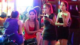 Cambodia Nightlife 2016 - VLOG 96 (bars, clubs, girls)