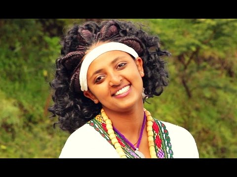 Dereje Belay - Mertogn Egre | መርቶኝ እግሬ - New Ethiopian Music (Official Video)