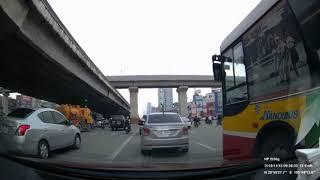 Xe buýt có ngán ai bao giờ đâu, gặp cùng đường thì tốt nhất là cách xa xa