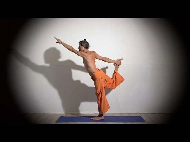 Posture de Yoga : Enchaînement en Natarajasana / Posture du Danseur Cosmique