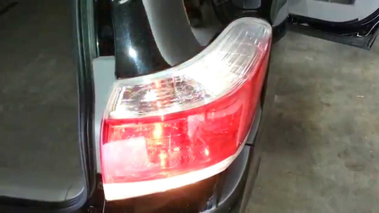2017 Toyota Highlander Suv Testing Tail Lights After Changing Bulbs Brake Turn Signal Reverse You