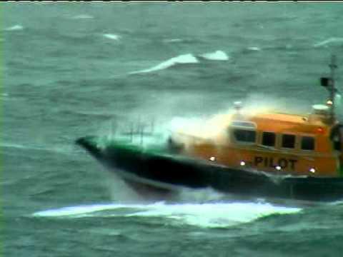 Pilot boat 'URSULA' in 45kts wind speeds off Roches PT, Ireland.mpg
