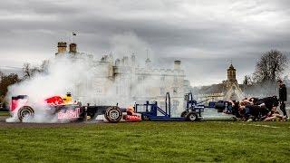 8人の屈強なラガーマンたちがスクラムを組んでF1カーに挑む「F1 vs ラガーメン」
