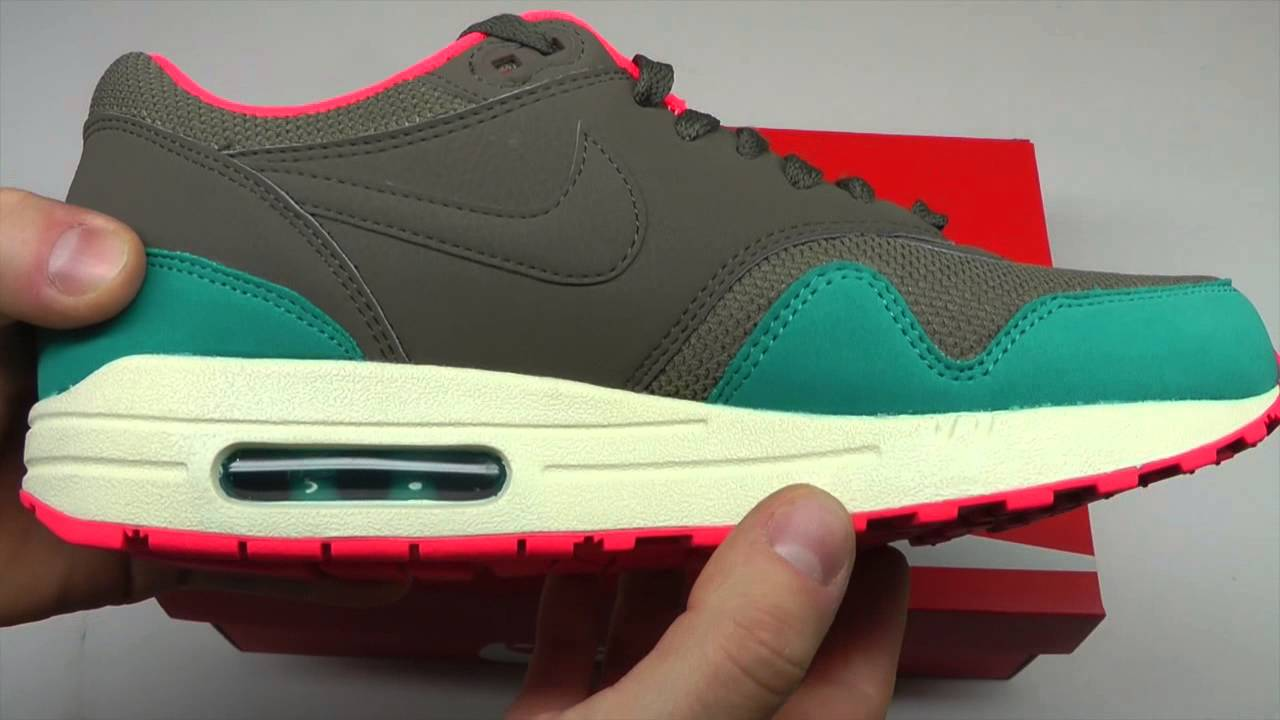 new style b6124 4ede2 MOVESHOP NIKE AIR MAX 1 ESSENTIAL 537383 202 BROWN CATALINA PUNCH