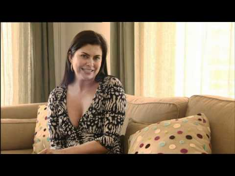 Amanda Lamb - Plunging Cleavage Leaning Over thumbnail