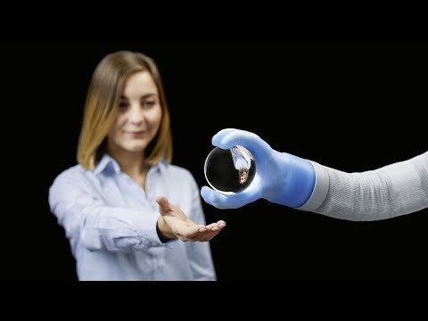 """Exquisitely engineered """"soft"""" robotic arm is powered by air"""