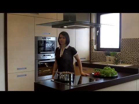Küchenausstattung Inkorporiert Klassische Tradition Und Modernen ...