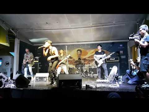 Faizal Tahir - Sejati (Live at Anatomi album launch IOI City Mall 6 Nov 2016) HD