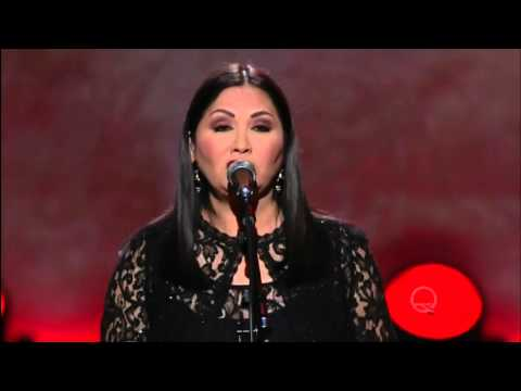 "Ana Gabriel sings ""I never Cared for You"" live in Washington D.C. Nov.  2015 in 1080p HQ HD."