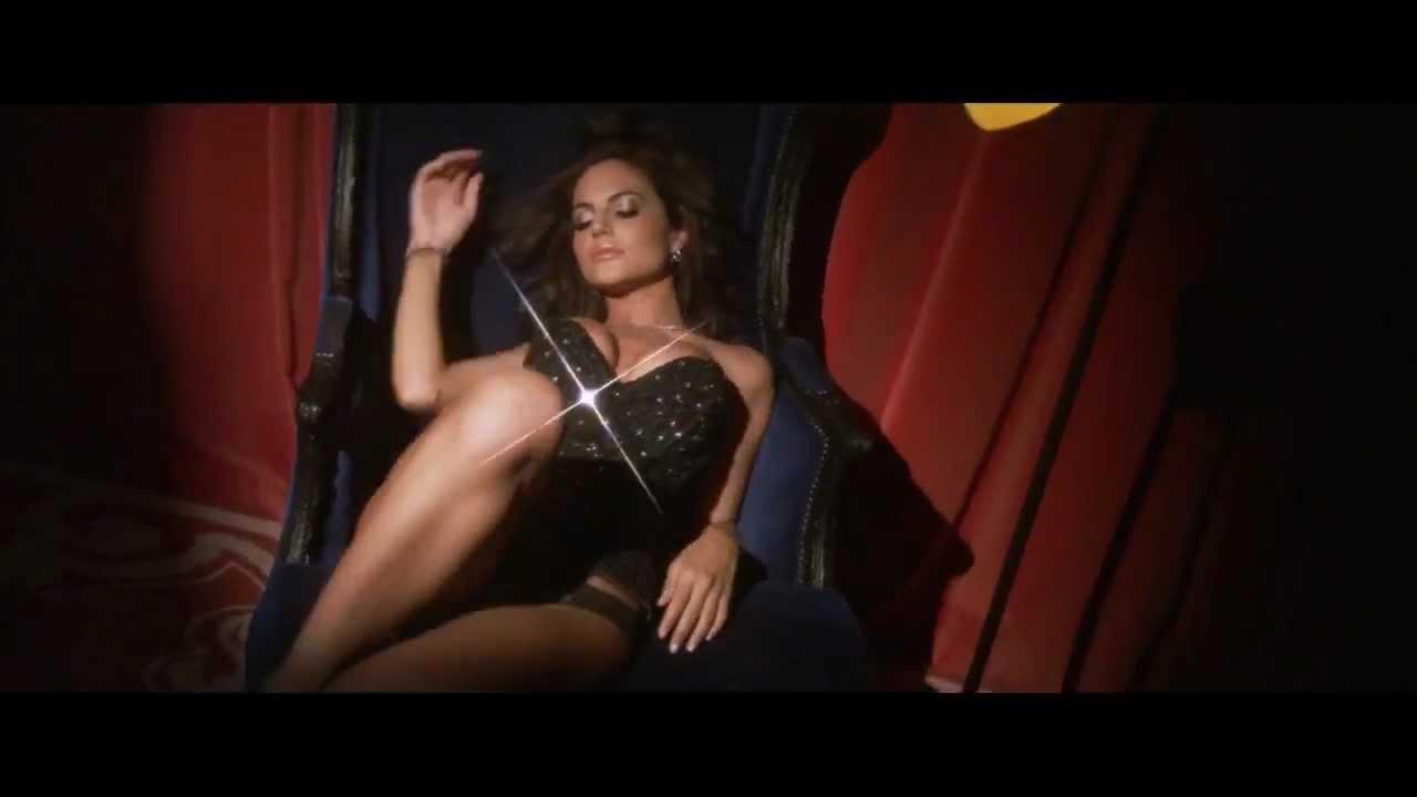 Emily Ratajkowski in einem Unterwäsche-Spot für Fredericks of Hollywood