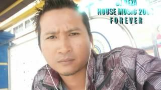 Download lagu DJ REZA House Music 2004 Original Edited MP3