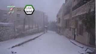 الزبـــداني || تساقط الثلوج بشكل كثيف وإنعدام الحركة في شوارع المدينة المحاصرة 13-12-2013