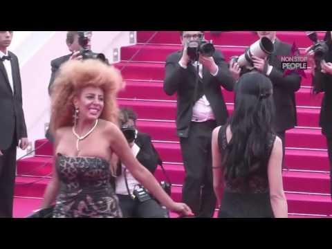 Afida Turner - Sa montée des marches EN LIVE du festival de Cannes